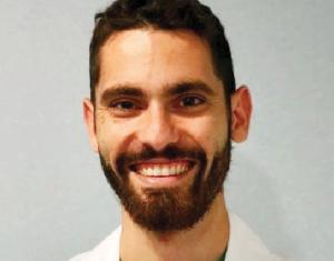 Dr. Eduardo Reyes